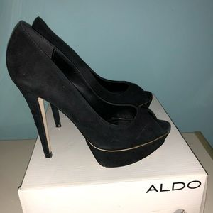 Black suede peep toe shoes